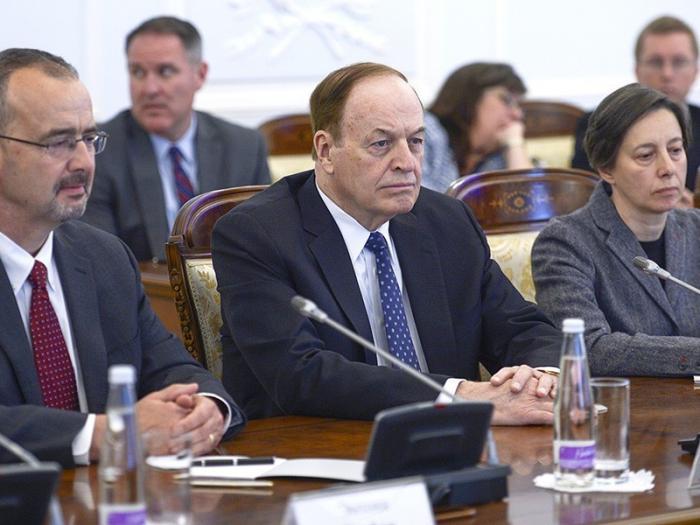 Русофобов буквально корёжит от переговоров сенаторов США с российскими парламентариям