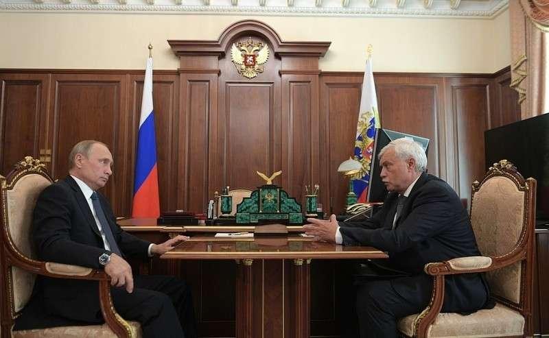 Сгубернатором Санкт-Петербурга Георгием Полтавченко.