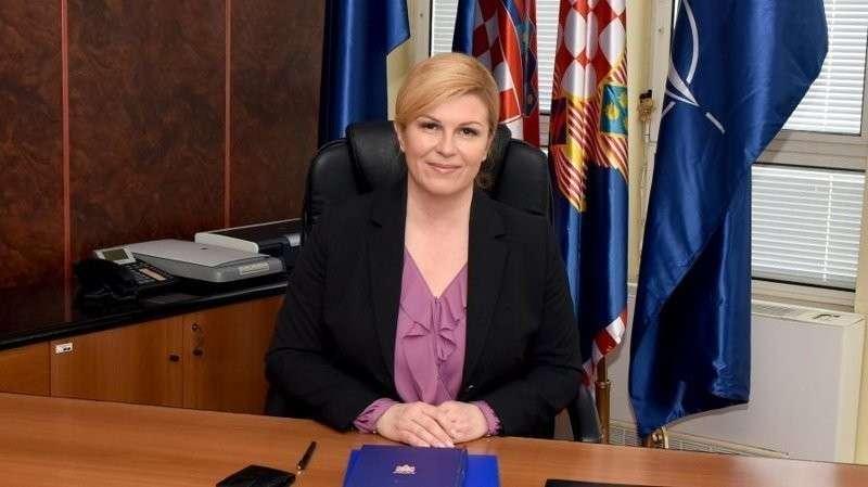 Президент Хорватии прилетела на ЧМ-2018 эконом классом и смотрела матч с обычными фанатами в мире, люди, президент, спорт, футбол, хорватия