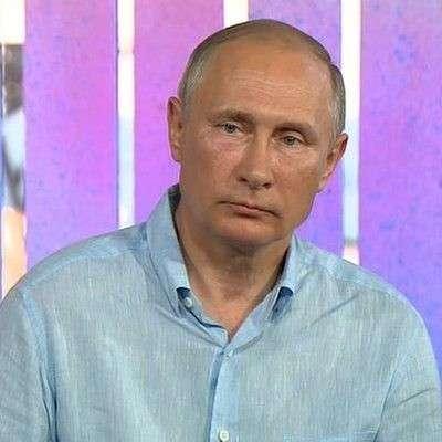 Президент России Владимир Путин назвал наших футболистов героями