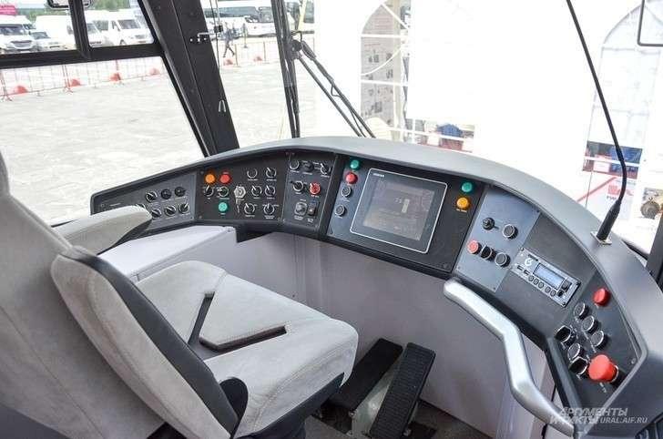 Уралвагонзавод представил модели трамваев нового поколения на выставке «Иннопром-2018»
