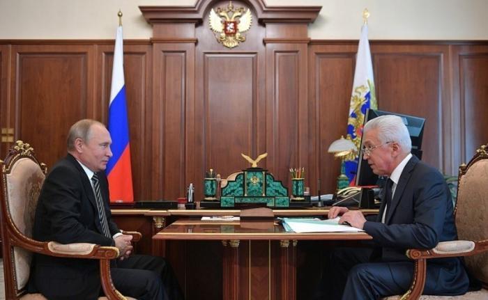 Владимир Путин провёл встречу сврио главы Дагестана Владимиром Васильевым
