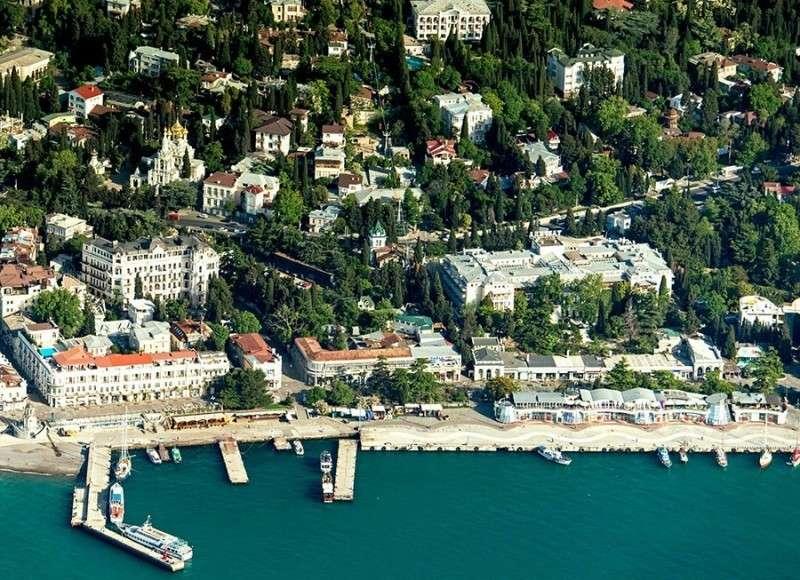 Юлька Барбишенко пытается спекулировать Крымом
