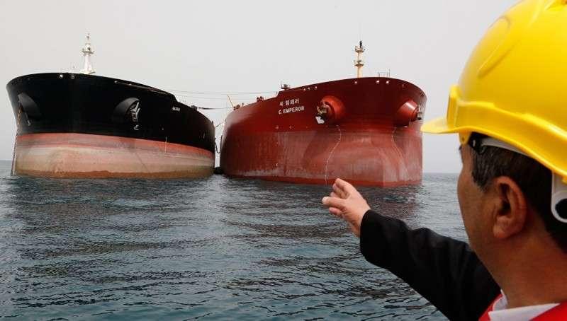 США пригрозили России и другим непокорным новыми санкциями за покупку иранской нефти