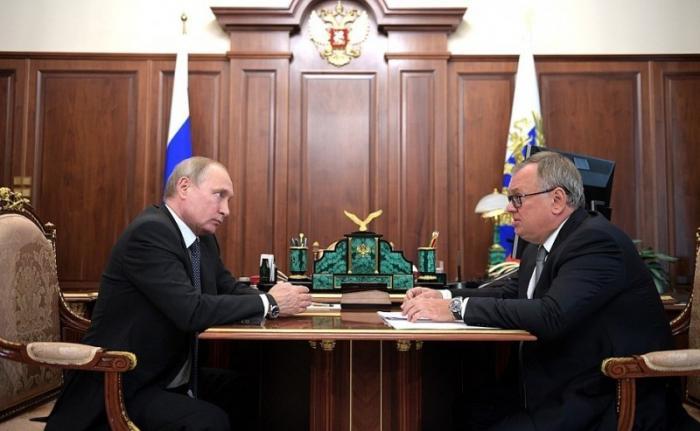 Встреча Владимира Путинас председателем правления Банка ВТБ Андреем Костиным