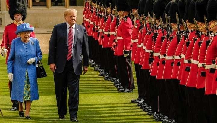 Итоги визита Дональда Трампа в Британию или как надо правильно опоздать на чай к королеве