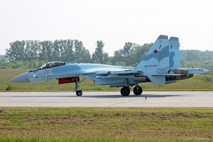 Новые истребители Су-35С для ВКС России
