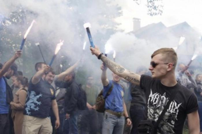 Германия: оказывается киевская хунта спонсирует неонацистов из госбюджета