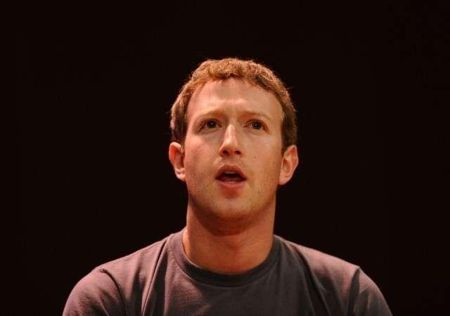 Еврей Цукерберг подтвердил, что привлекал «заинтересованных в госизмене» Россиян
