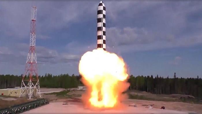 По исследованиям бывших сотрудников ЦРУ, российское ядерное оружие мощнее американского