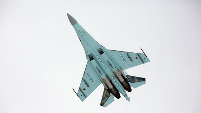 Пилоты Су-27 морской авиации Балтийского флота разыграли ближний бой над Балтийским морем