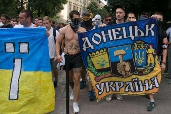 Почти 60% украинцев жаждут возобновления войны за Донбасс
