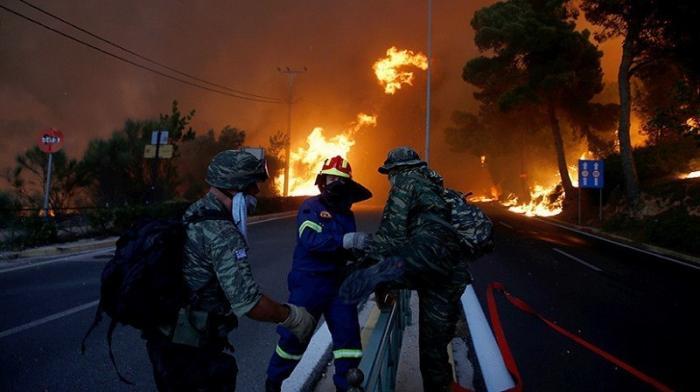 «Ситуация вышла из-под контроля»: жертвами лесных пожаров в Греции стали более 60 человек