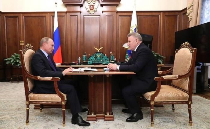 Владимир Путин встретился сгубернатором Хабаровского края Вячеславом Шпортом
