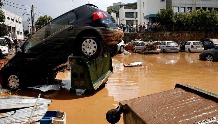 В Греции на смену крупным пожарам пришло наводнение