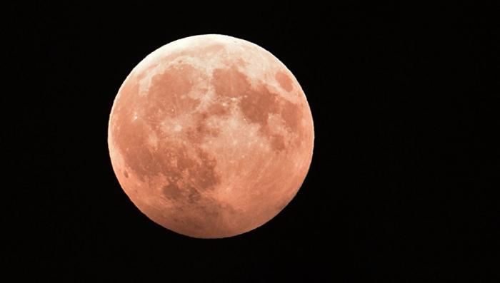 Сегодня уникальное полное затмение Луны и противостояние Марса