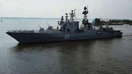 Впечатляющие кадры генеральной репетиции Главного военно-морского парада России
