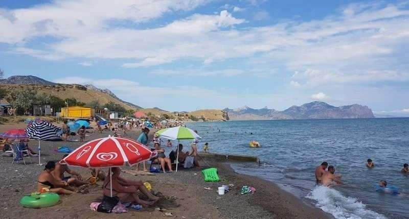 Крым полон туристами: вот что мост животворящий делает