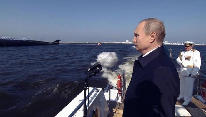 День ВМФ: Владимир Путин откроет торжественный смотр кораблей в Петербурге