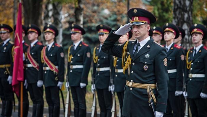 На Украине офицеры массово увольняются из армии