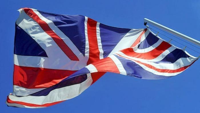 Британское консульство в Петербурге спустило флаг и пакует чемоданы