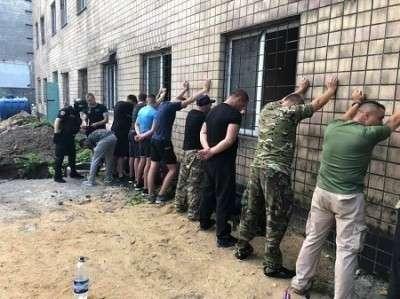 Лихие 90–е вернулись в Одессу: вооруженная толпа бандитов захватила предприятие