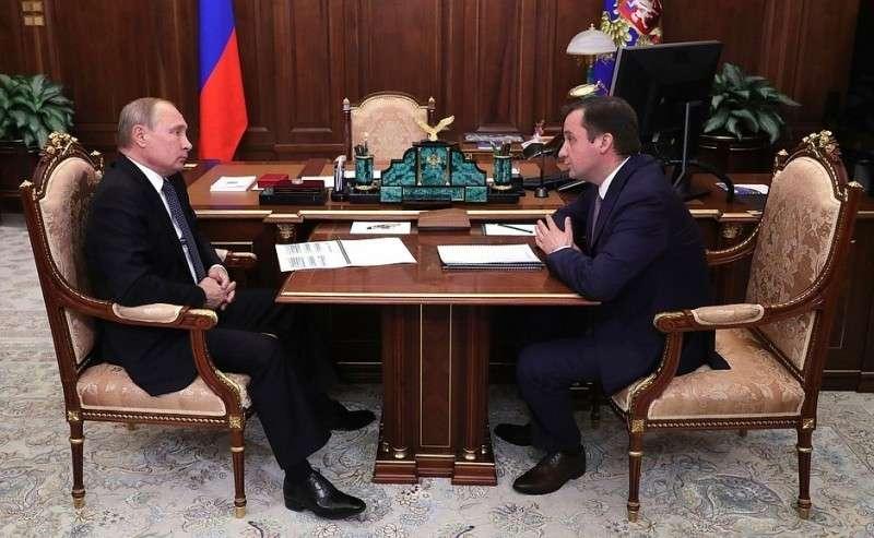 Свременно исполняющим обязанности губернатора Ненецкого автономного округа Александром Цыбульским.