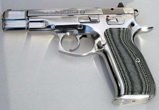 Почему пистолет CZ-75 уже 40 лет называют «чешское чудо»?