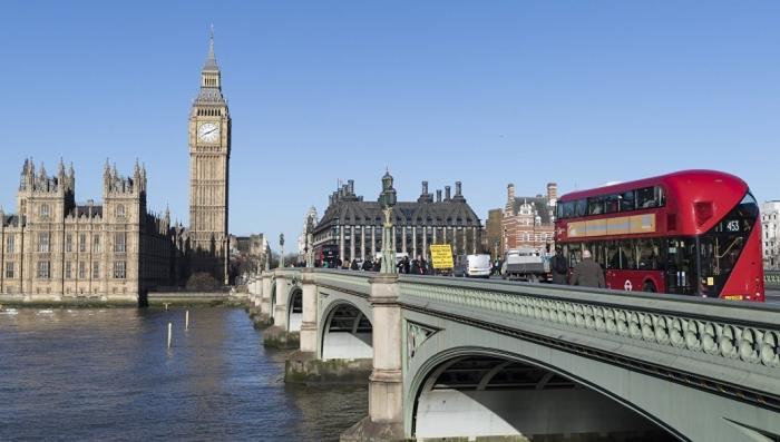 Посольство России Британским СМИ: Владимир Путин не покупал «душу» Макрона