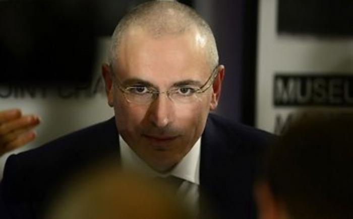 Ходорковский неумело оправдывается за убийство журналистов в ЦАР