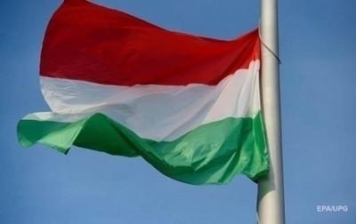 Киевская хунта испугалась министра Венгрии по Закарпатью и послала в регион карателей