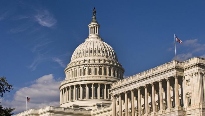 Сенат США вводит «сокрушительные санкции» против России