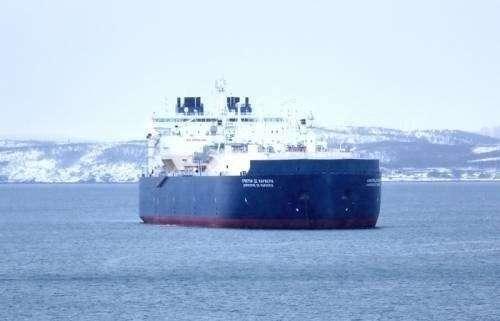 Первый вмире ледокольный газовоз СПГ поставил рекорд