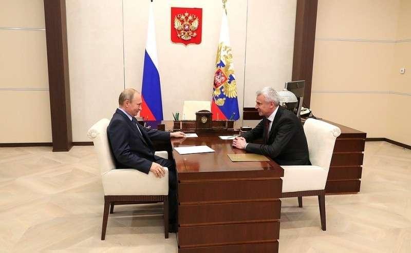 Свременно исполняющим обязанности губернатора Магаданской области Сергеем Носовым.