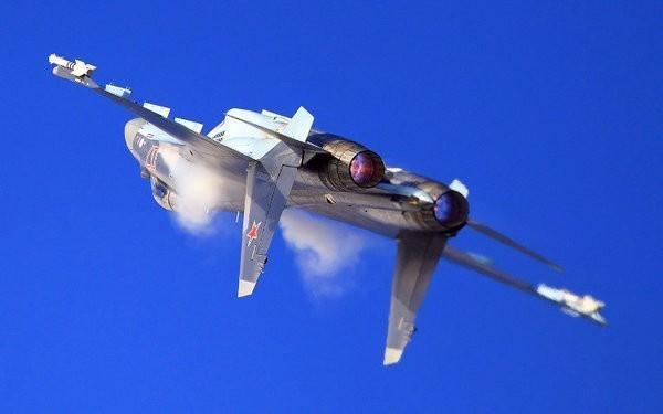Иностранцы о необычных манёврах Су-35: «Русский балет, но на совсем ином уровне»