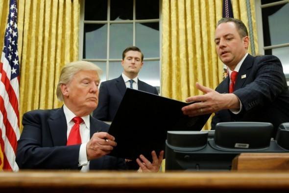 Дональд Трамп подписал указ о восстановлении санкций США против Ирана