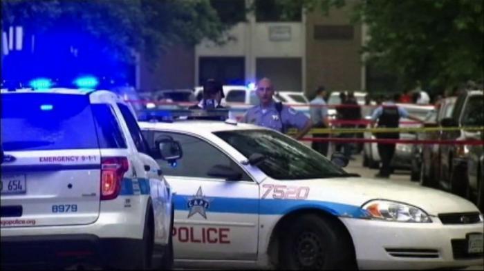 США. В Чикаго обычные выходные: пять убитых, десятки раненых