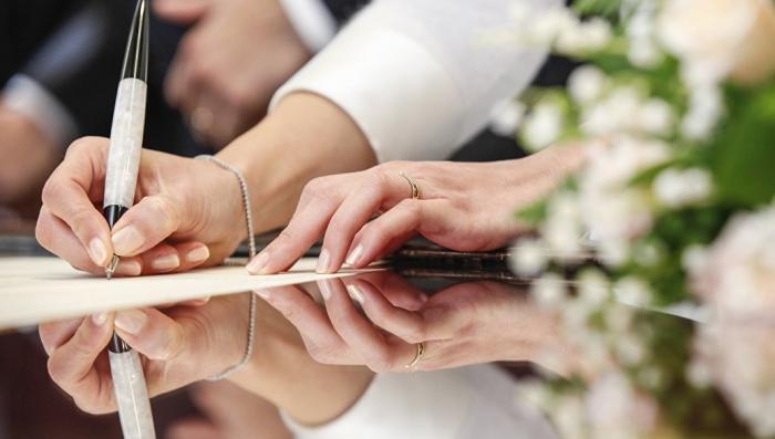 Кризис института брака. Россияне превращаются в «вечных детей»
