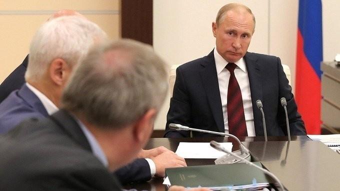 Владимир Путин провёл совещание по вопросам развития космической отрасли