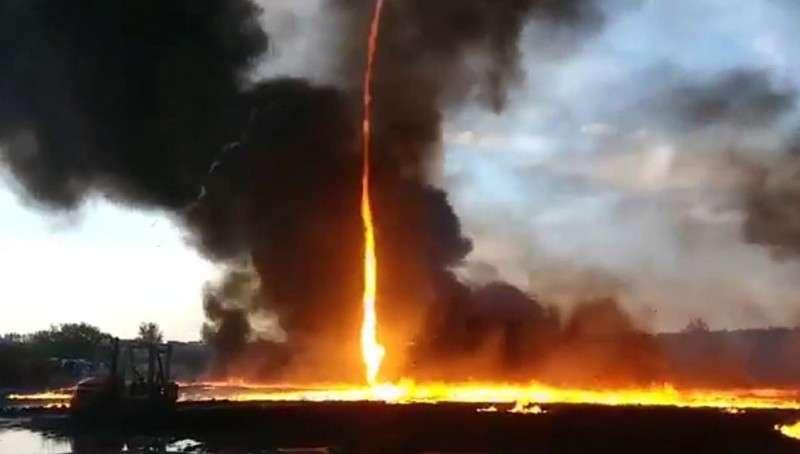 Необычное атмосферное явление – огненное торнадо засняли в Британии