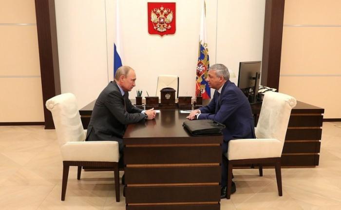 Владимир Путин провёл встречу сГлавой Северной Осетии– Алании Вячеславом Битаровым