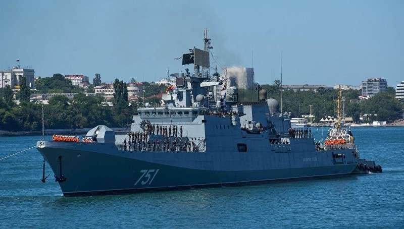 Русский фрегат условно уничтожил американскую подлодку в средиземном море