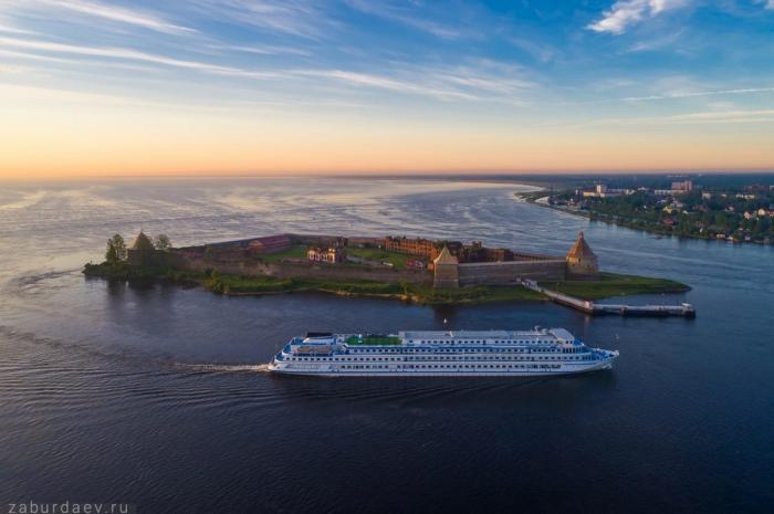Урусской крепости Орешек началось строительство причала для круизных судов