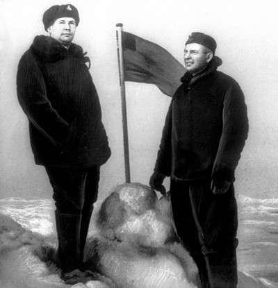 Наша подлодка на Северном полюсе