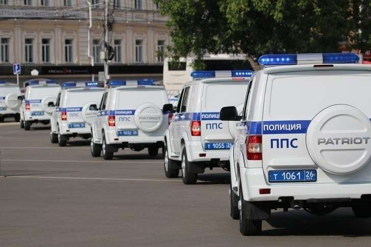 Ставропольским полицейским вручили ключи от50 служебных автомобилей