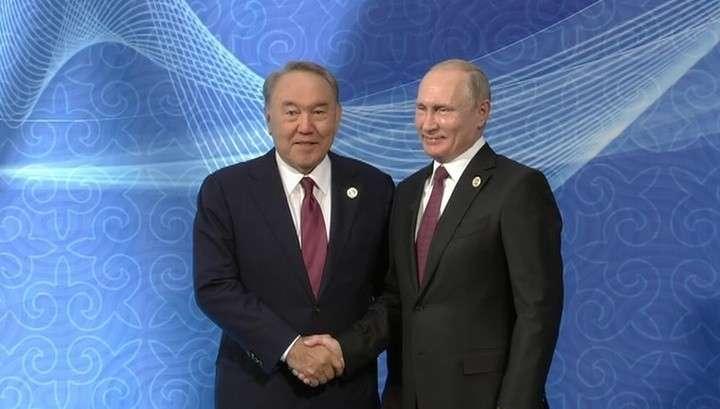 Владимир Путин прибыл в Актау на встречу каспийских государств