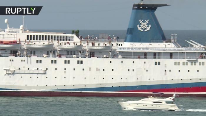 Шикарный лайнер «Князь Владимир» отправился в первый за 2018 год круиз в Севастополь