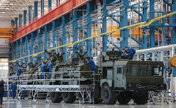 Русский Алмаз-Антей вошел втоп-10 производителей оружия