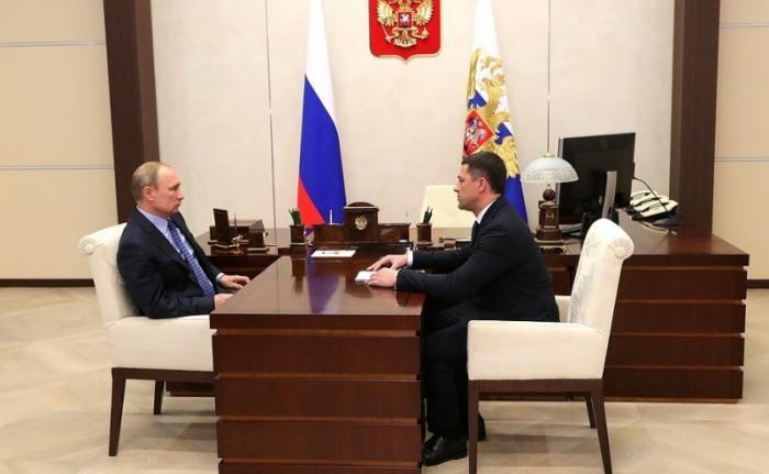 Владимир Путин провёл встречу сврио губернатора Псковской области Михаилом Ведерниковым