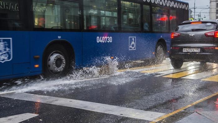 Москву накроет атлантический циклон с ливнем, шквалом и градом